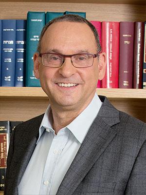 Adv. Shmuel Grossman: